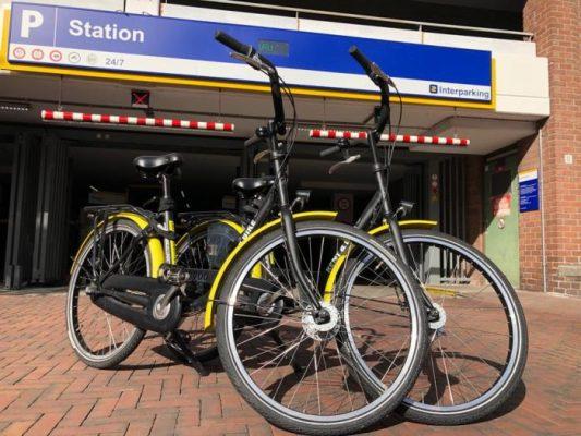 parkeer uw auto en huur een fiets in Haarlem